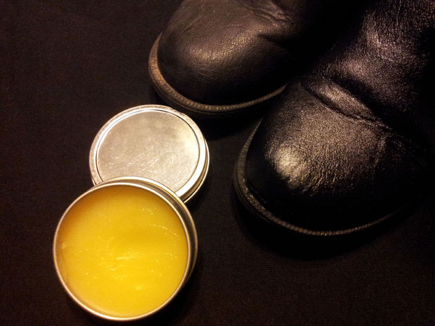 beeswax-leather-polish-1