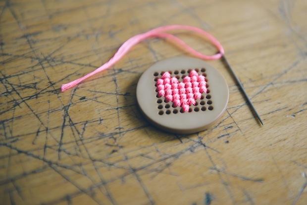 kittenhood_heart_pin_02