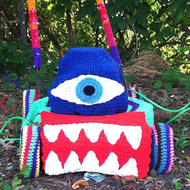 yarnbombed-lawnmower