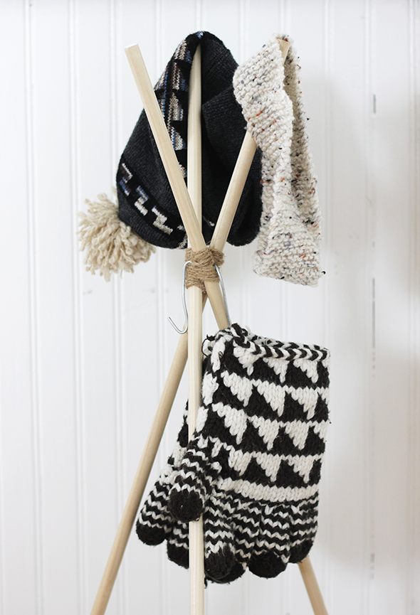 diy-standing-hat-rack-1