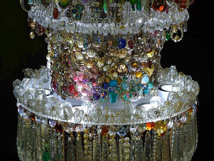 Lost-Earrings-chandelier-1