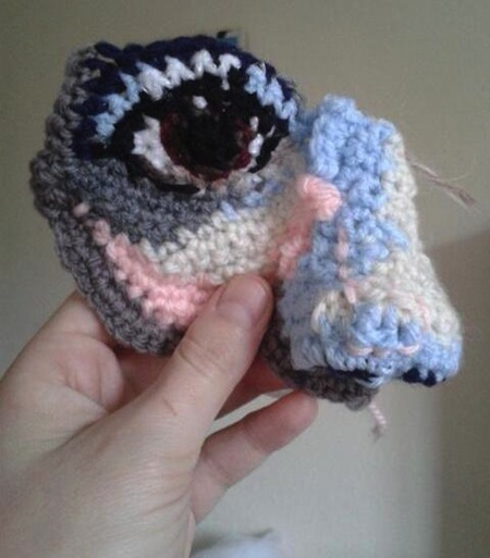 crocheted-statue-masks-2