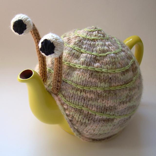 snail-tea-cosy-3