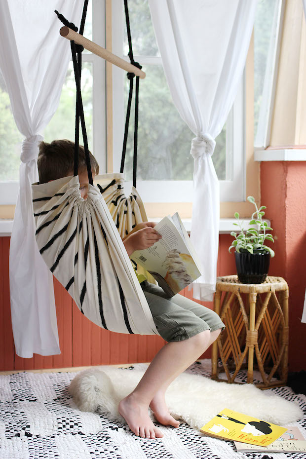 How to diy hammock chair make for Diy bedroom hammock