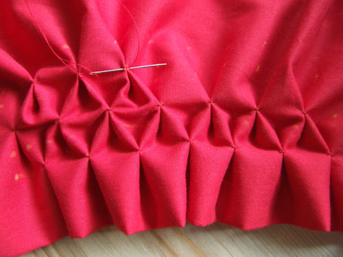 burdastyle_honeycomb_smocking_02
