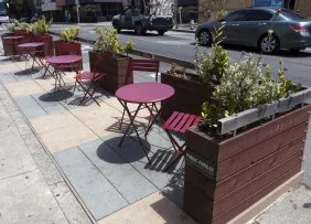 San Francisco parklet with tables and chairs