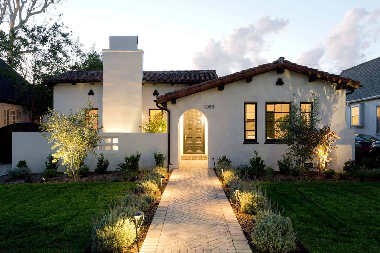 Splendiferous Spanish Style Kindesign Inviting Spanish Style Home Gets Refreshed Sale Home Spanish Crossword Clue Spanish Sourn California Home houzz-02 Home In Spanish