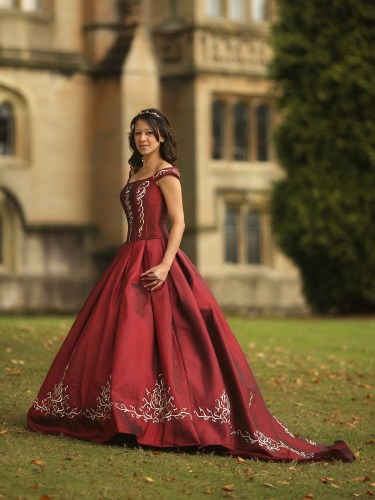 the ultimate quiz what is your perfect wedding dress red dress for wedding