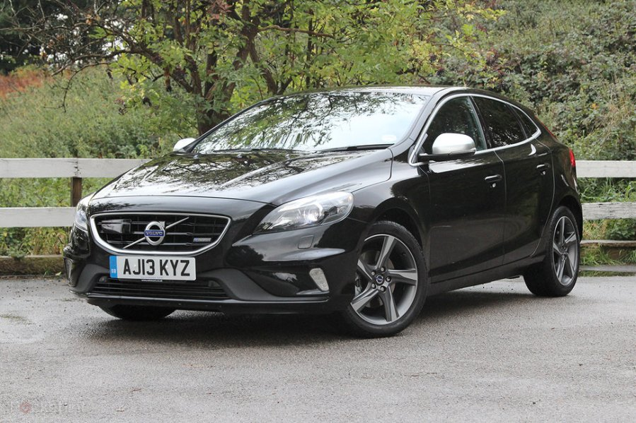 Volvo V40 T2 R Design Nav review