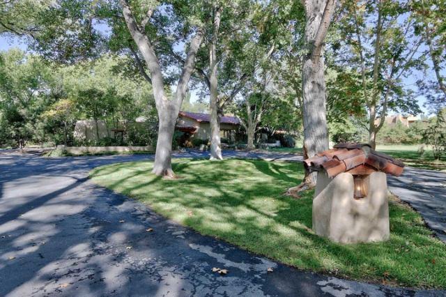 5005 Rio Grande Lane NW, Los Ranchos, NM 87107