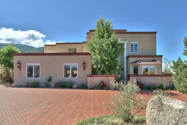 13716 Canada Del Oso Place NE, Albuquerque, NM 87111