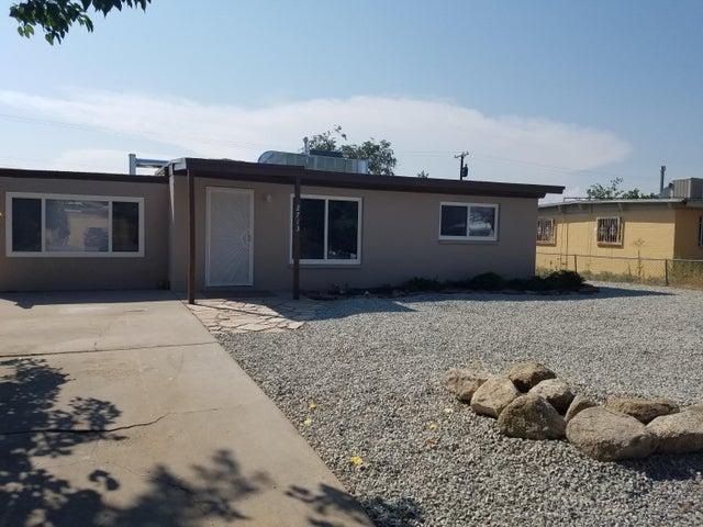 2713 Dakota Street NE, Albuquerque, NM 87110