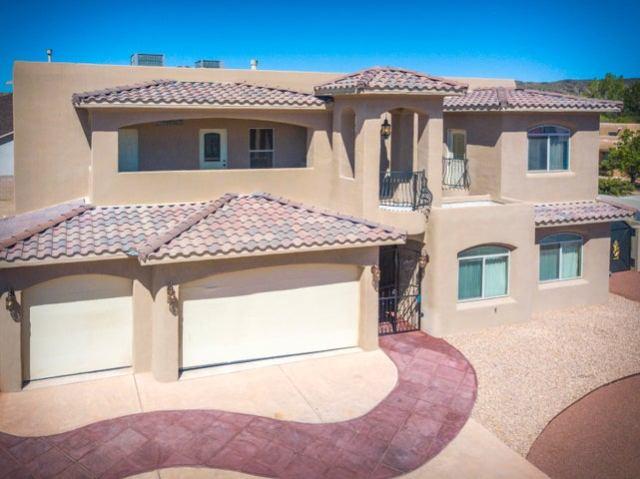 6427 Pojoaque Drive NW, Albuquerque, NM 87120