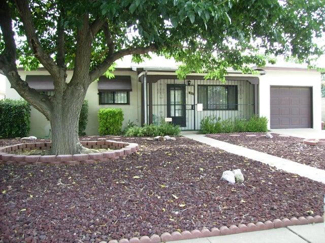 832 Kentucky Street SE, Albuquerque, NM 87108