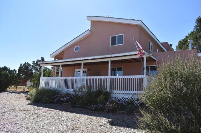 47 Valley Road, Edgewood, NM 87015