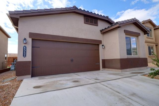 6552 Cliff Dwellers Road NW, Albuquerque, NM 87114