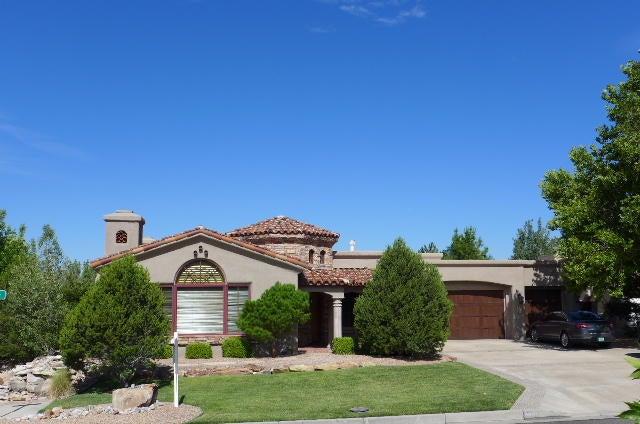 8601 Royal Glo Drive NE, Albuquerque, NM 87122