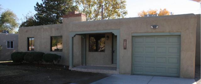 218 Sierra Place NE, Albuquerque, NM 87108