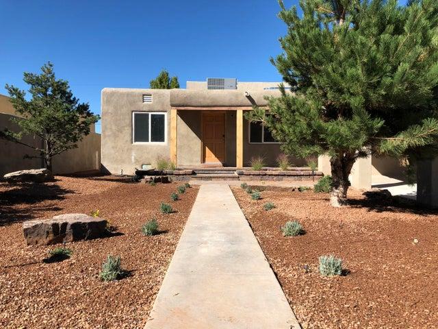 411 Manzano Street NE, Albuquerque, NM 87108