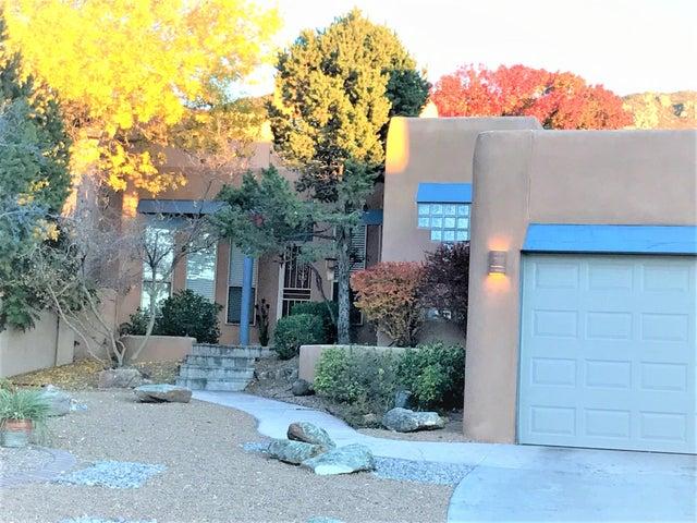 14021 Villa Sandia Place NE, Albuquerque, NM 87112