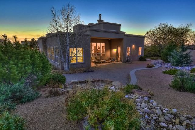 Beautiful home in desirable High Desert