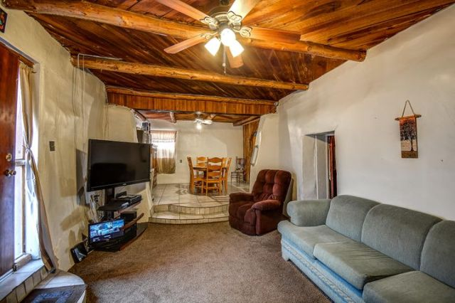 8312 Guadalupe Trail NW, Los Ranchos, NM 87114