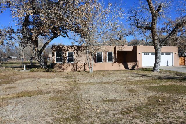 929 Guadalupe Court NW, Albuquerque, NM 87114