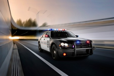 2010 dodge charger police car 33476 1920x1080