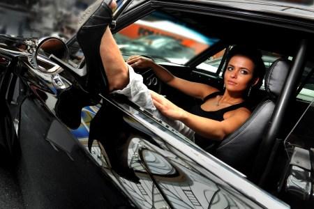 beautiful girl in her car 38057 2560x1600