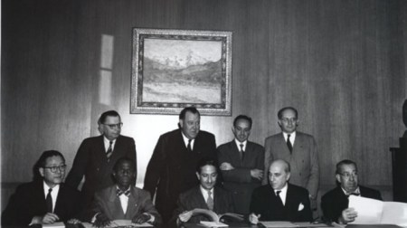 Raphael Lemkin, top row on the right, with some of the first state representatives to sign the Convention for the Prevention and Punishment of Genocide (Photo credit: Wikimedia Commons CC-BY-SA)