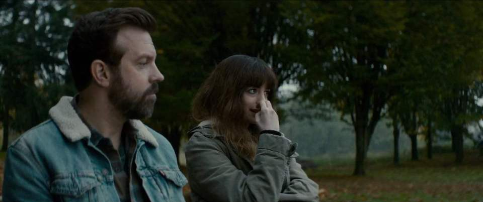 Colossal (2017) - Bench Screen Capture