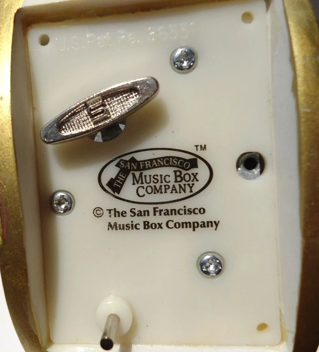 Christmas San Francisco Music Box Click To Expand Hearts Roses Rocking San Francisco Music Box Tune San Francisco Music Box Company Locations San Francisco Music Box Company Retired houzz 01 San Francisco Music Box Company