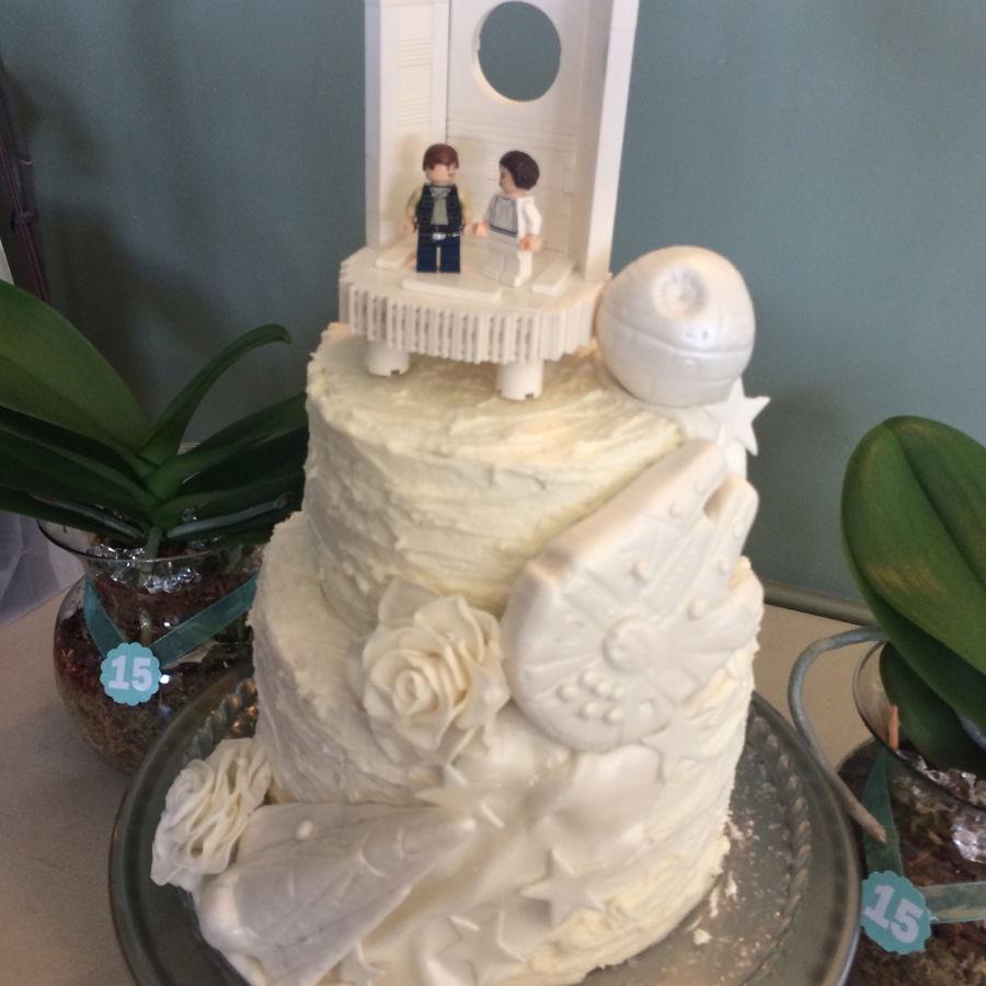 Thrifty Star Wars Wedding On Cake Central Star Wars Wedding Star Wars Wedding Cake Figures Star Wars Wedding Cake wedding cake Star Wars Wedding Cake
