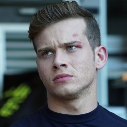 9 1 1 Actor Oliver Stark on His Eye Birthmark Its Not Herpes 9