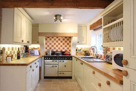 simple kitchen design for small house 10