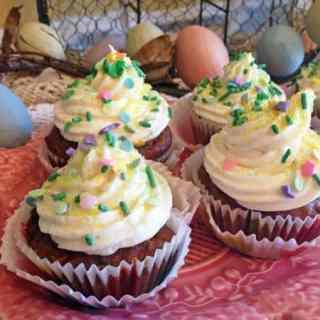 guest post -- Linda Savoring Every Bite -- cupcake buffet