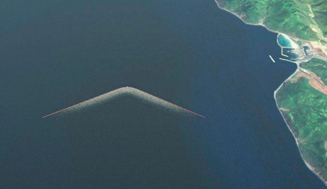 "A bird's eye view of what the 100km technology may eventually look like. Photo: <a href=""http://www.theoceancleanup.com/"">The Ocean Cleanup</a>"