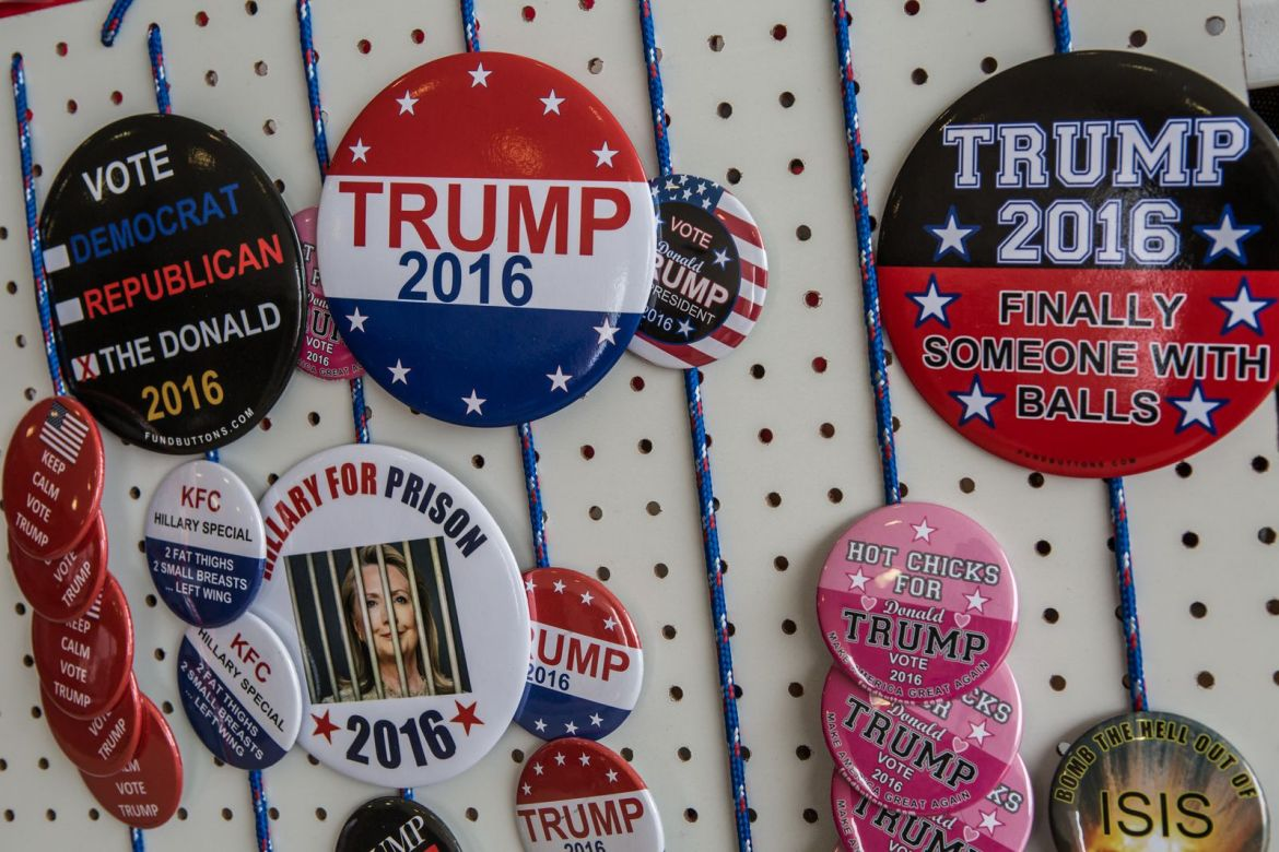 Buttons for sale on the day of the 2016 Iowa caucuses