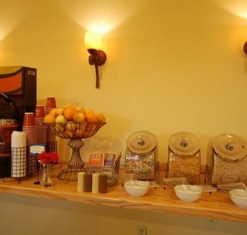 body_standard_continental_breakfast.jpg