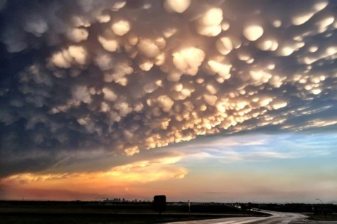 40 - Mammatus cloud