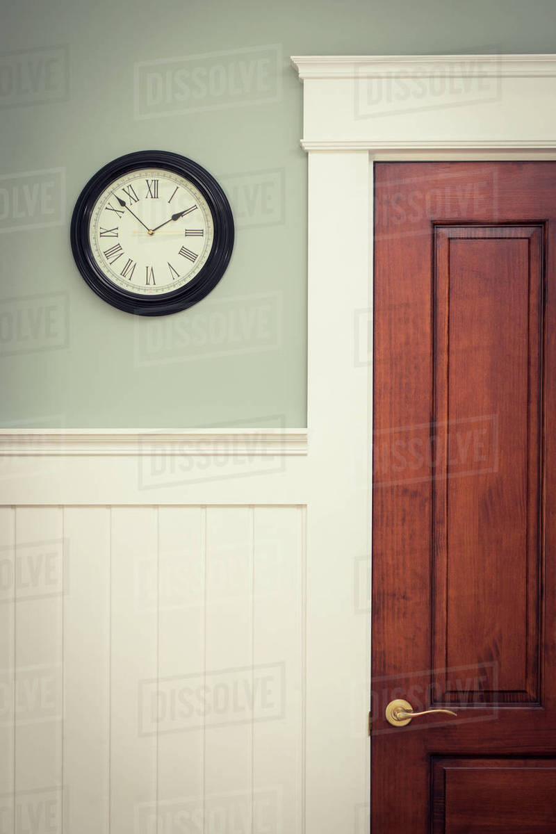 Fullsize Of Clock On Wall