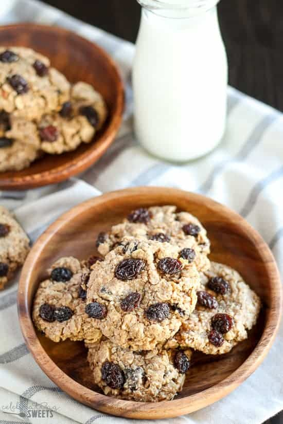 Chewy cookies made with oats, almond flour, almond butter, maple syrup ...