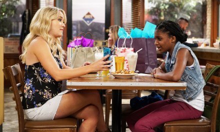 Elliot & Alan Welcome A New Addition To Their Lives On Tonight's All New 'Young & Hungry'