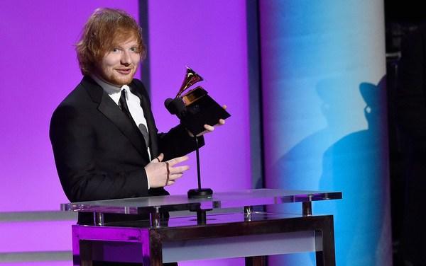 Ed Sheeran Wears A Wedding Ring – See Now