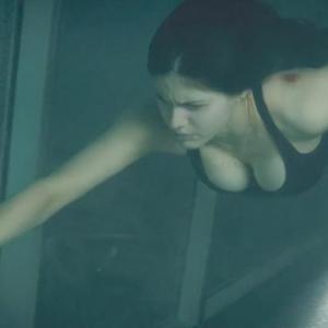 Alexandra Daddario in San Andreas