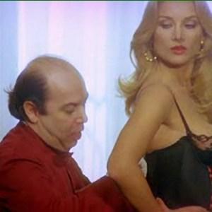 Barbara Bouchet in La moglie in vacanza l'amante in citta