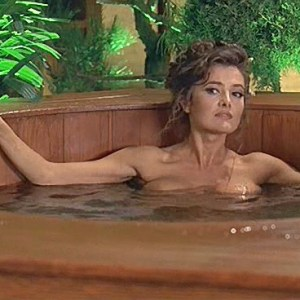 Fabiana Udenio in Austin Powers International Man of Mystery
