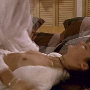 Jennifer Decker in Trop plein d'amour