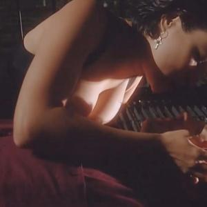 Jennifer Tilly in Embrace of the Vampire (1995)