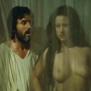 Ria De Simone in Jus primae noctis